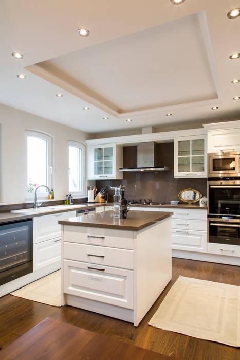 Moderne keukens van ARTISTIC DESIGN Modern
