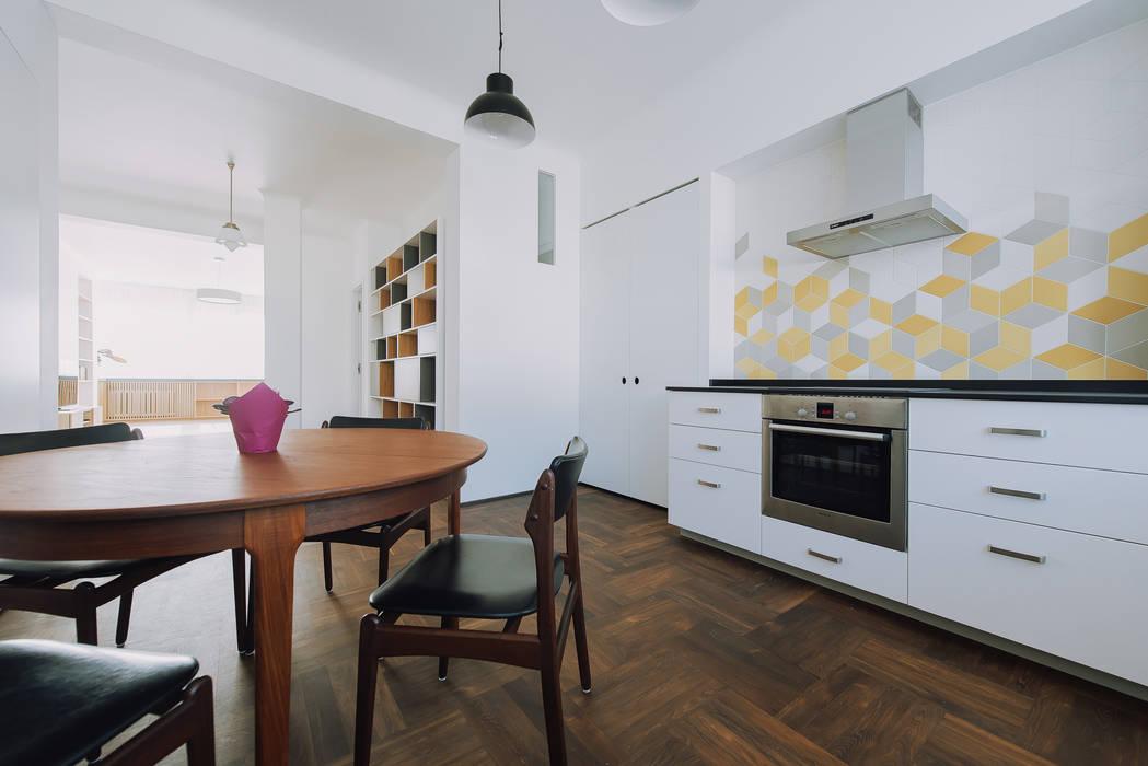 Modern Kitchen by JA2PLUS Modern