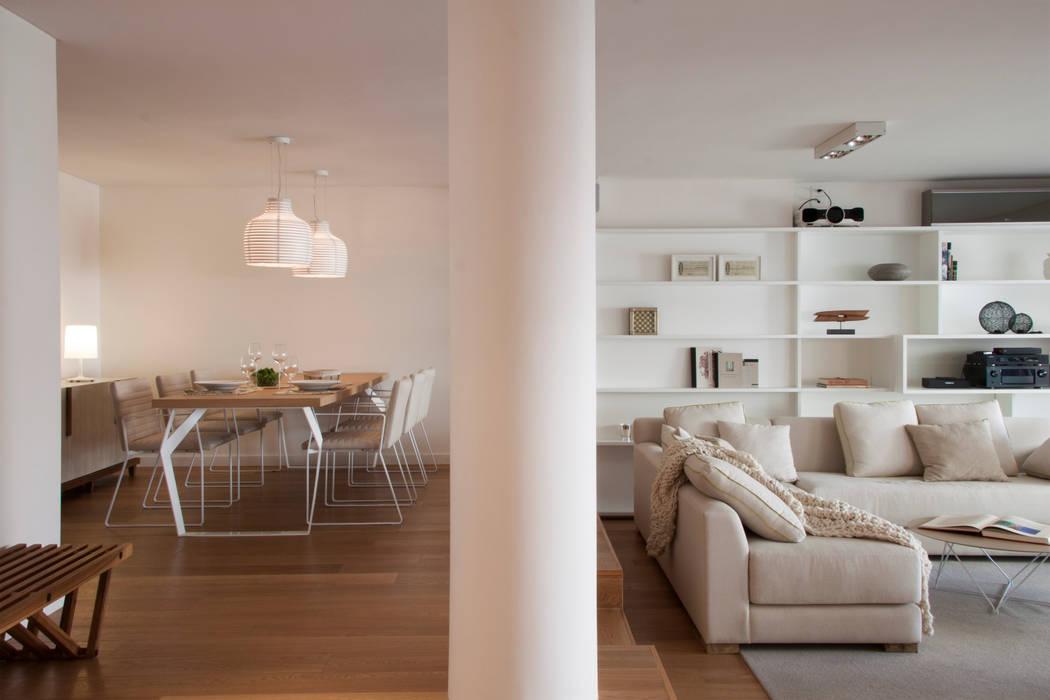 Salas de estilo moderno de Paula Herrero | Arquitectura Moderno