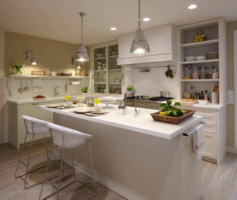 Cocinas de estilo  por DEULONDER arquitectura domestica, Ecléctico