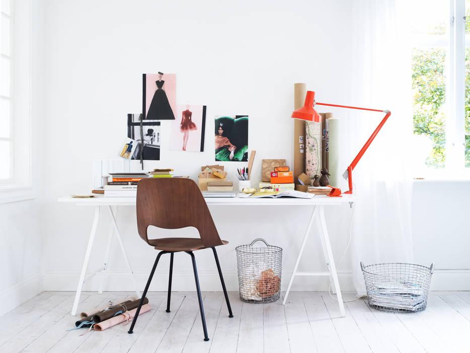 Inspiration Oficinas y bibliotecas de estilo moderno de Korbo Moderno