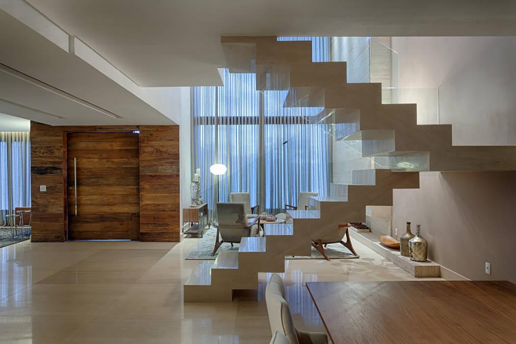 Modern living room by Mariana Borges e Thaysa Godoy Modern
