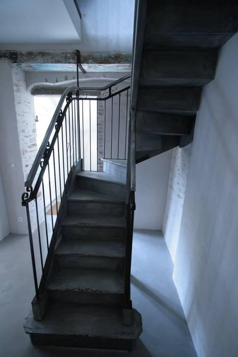 Escaliers Bois: Couloir et hall d'entrée de style  par Tabary Le Lay