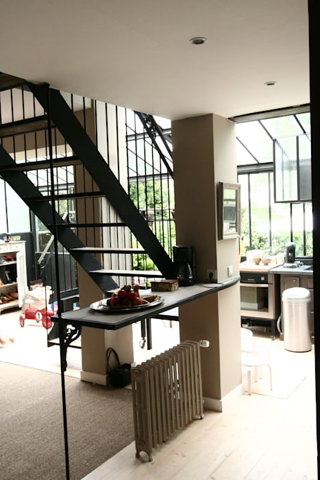 Escalier Verrière: Couloir et hall d'entrée de style  par Tabary Le Lay
