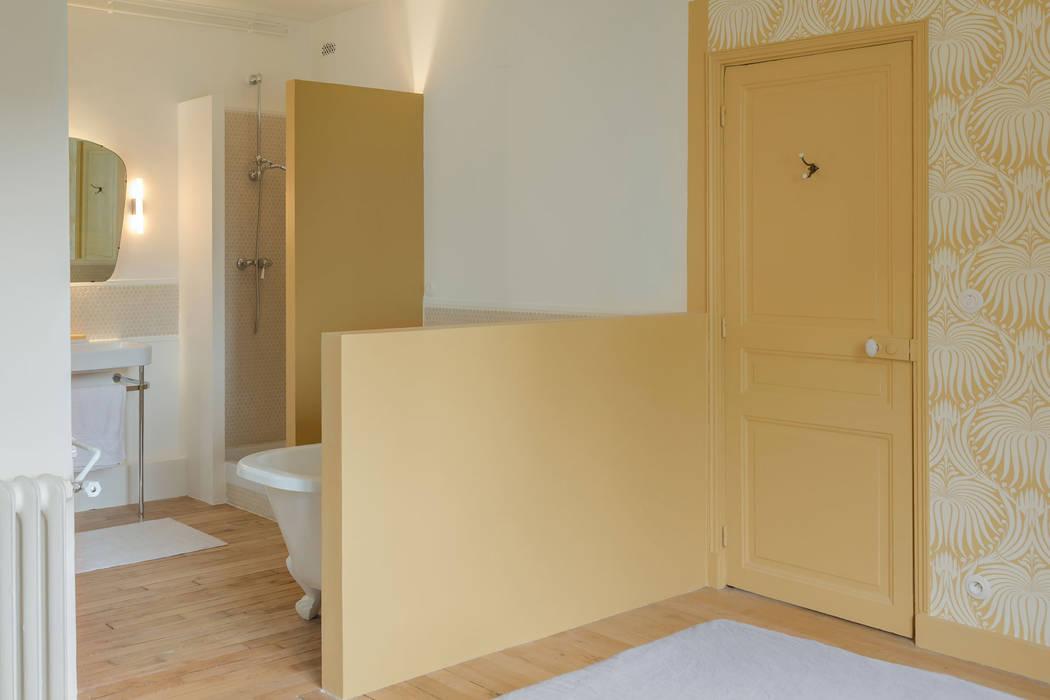 Plans colorés: Salle de bains de style  par claire Tassinari