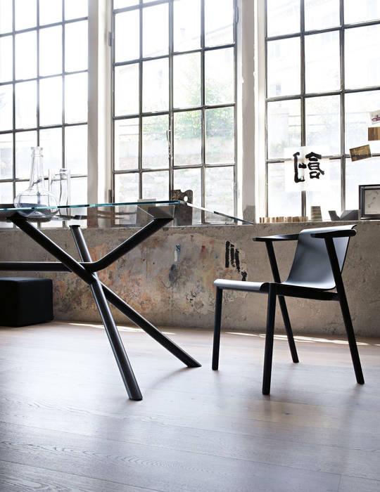 Bai Lu - Lema: Studio in stile in stile Moderno di Mobilificio Marchese