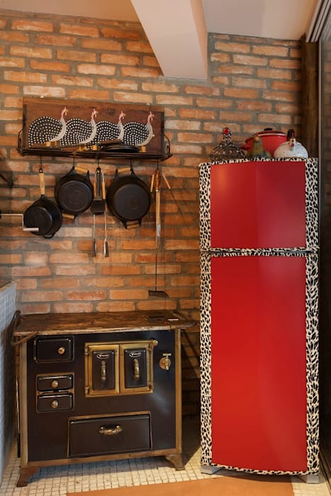 Cactus Arquitetura e Urbanismo Mediterranean style kitchen