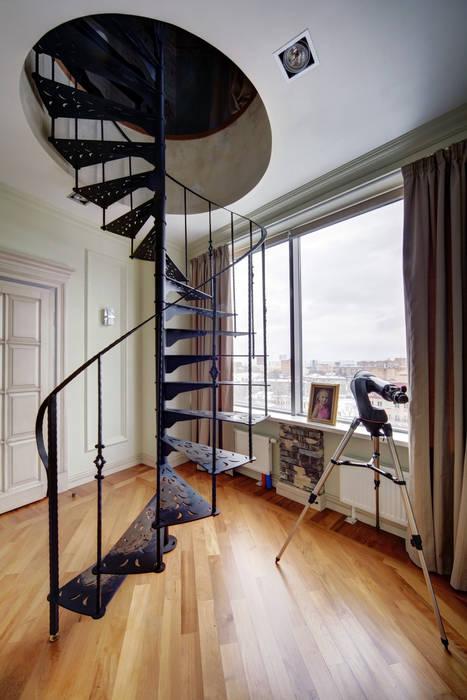 工業風的玄關、走廊與階梯 根據 Lev Lugovskoy 工業風