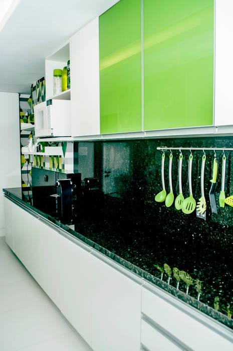 Cozinhas  por AVNER POSNER INTERIORES