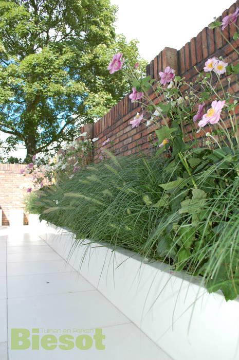 Witte tuin:  Tuin door Biesot