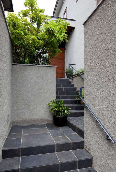 向山建築設計事務所 Jardines de estilo moderno