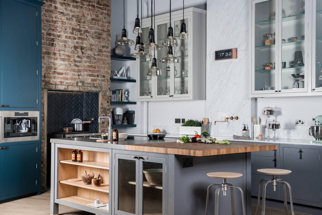 W9 | Eclectic Industrialism Cocinas de estilo industrial de Davonport Industrial Madera Acabado en madera