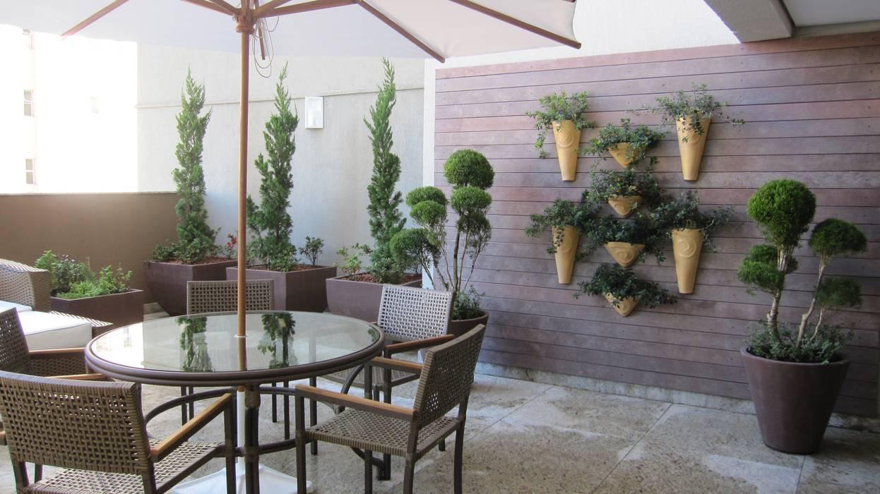 Jardins Naturais Varandas, alpendres e terraços campestres por Junia Lobo Paisagismo Campestre