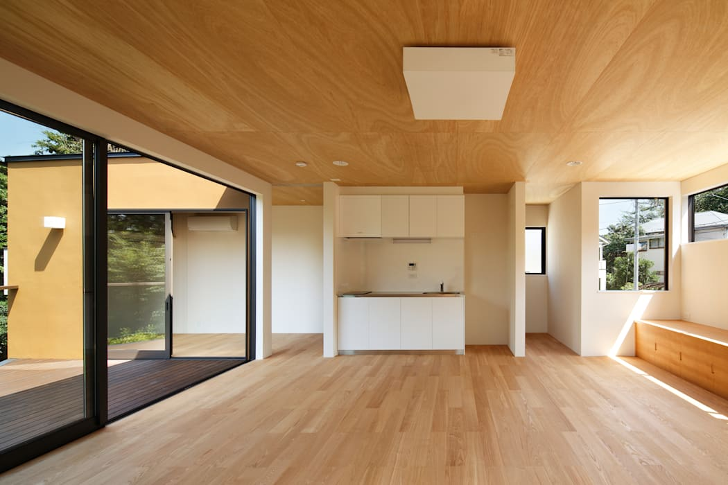 玉縄台の家: 向山建築設計事務所が手掛けたリビングです。,モダン