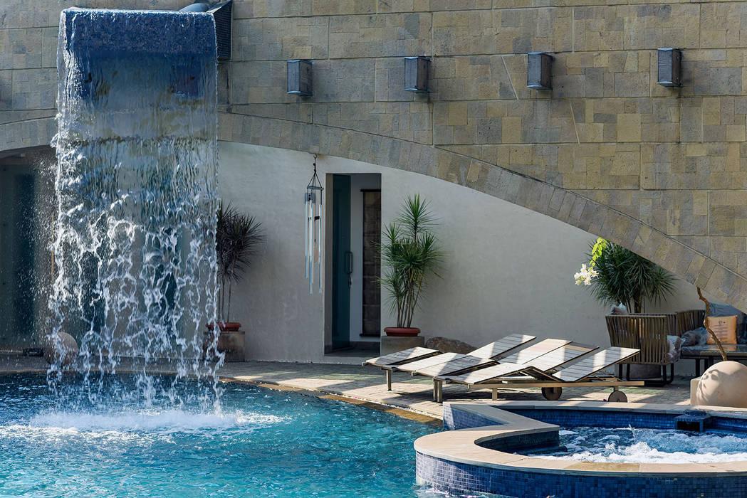 Nest - Private residence at Koregaon Park TAO Architecture Pvt. Ltd. Modern pool