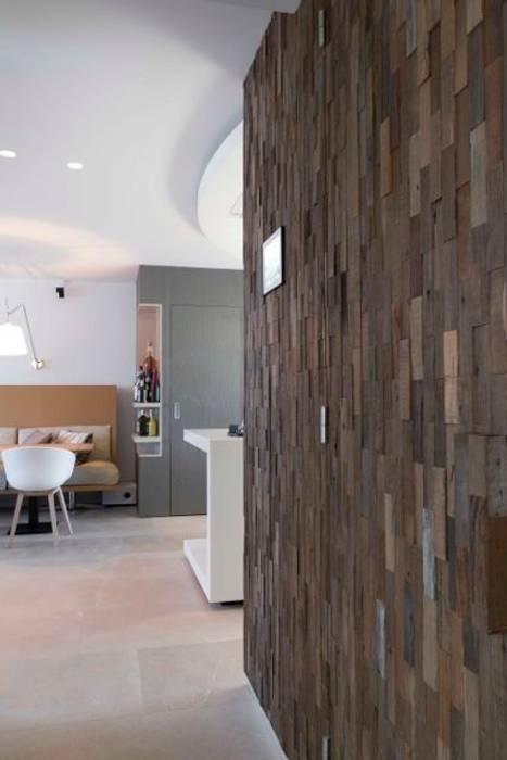 Centrale kolom:  Keuken door Smeele | ontwerpt & realiseert