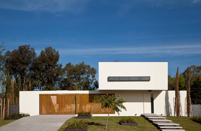 Casas estilo moderno: ideas, arquitectura e imágenes de VDV ARQ Moderno