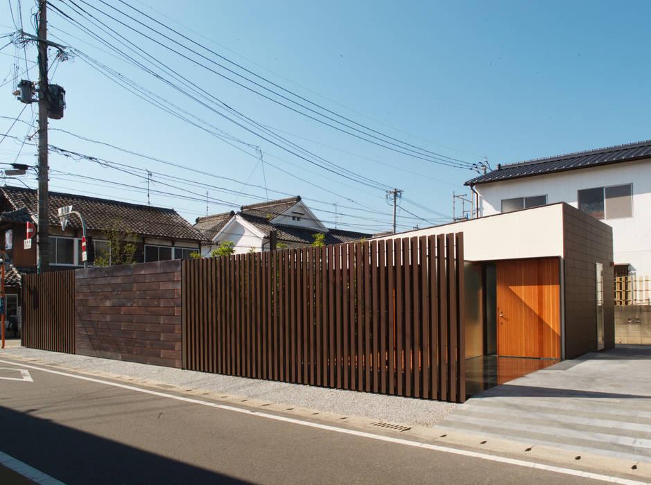 Casas de estilo  por 株式会社コヤマアトリエ一級建築士事務所, Moderno