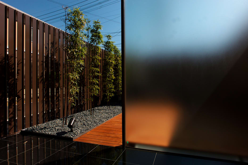 saga iy-house: 株式会社コヤマアトリエ一級建築士事務所が手掛けた庭です。
