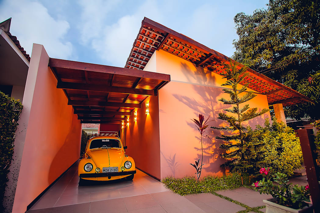 Rustikale Häuser von Martins Lucena Arquitetos Rustikal