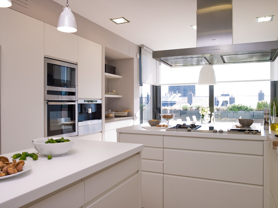 DEULONDER arquitectura domestica Cucina moderna Bianco