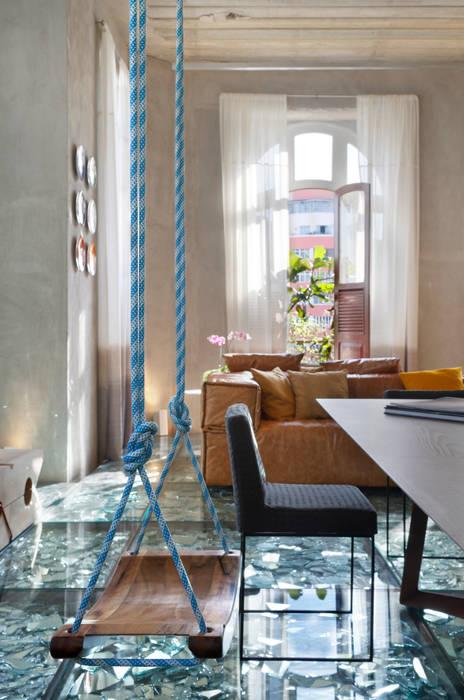 Ruang Multimedia oleh Gisele Taranto Arquitetura, Modern