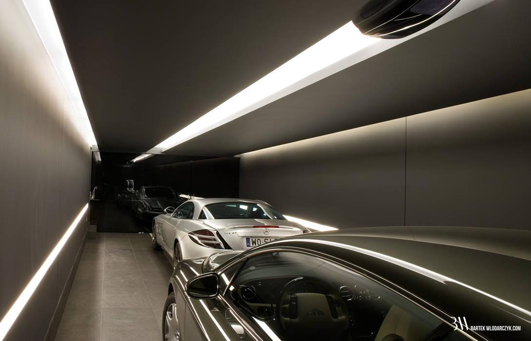 Minimalist style garage/shed by Bartek Włodarczyk Architekt Minimalist