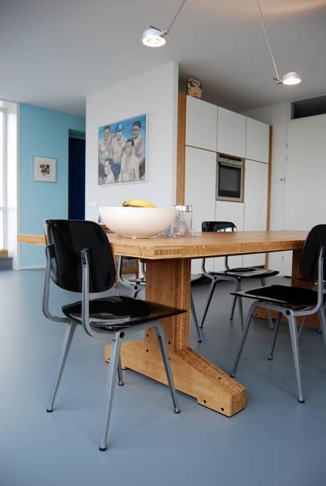 Penthouse Amsterdam Moderne eetkamers van homify Modern