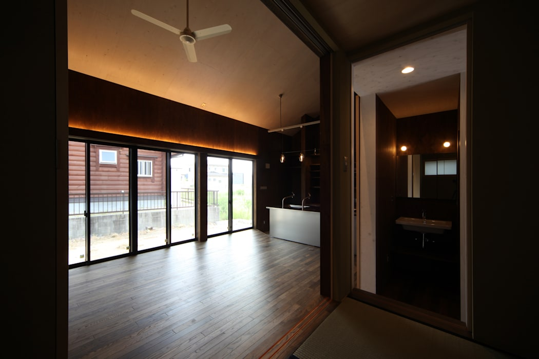 Дома в стиле модерн от 加門建築設計室 Модерн