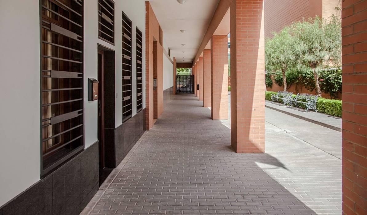 Nowoczesne domy od Mohedano Estudio de Arquitectura S.L.P. Nowoczesny