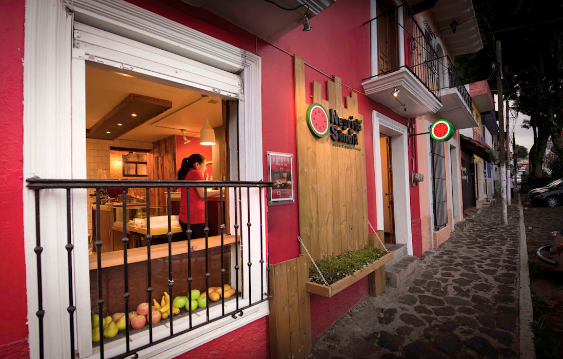 Negrito Sandía: Restaurantes de estilo  por Taller La Semilla, Tropical
