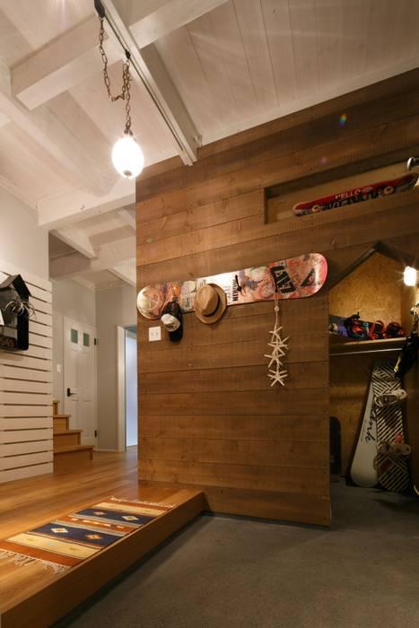 H's HOUSE dwarf クラシカルスタイルの 玄関&廊下&階段