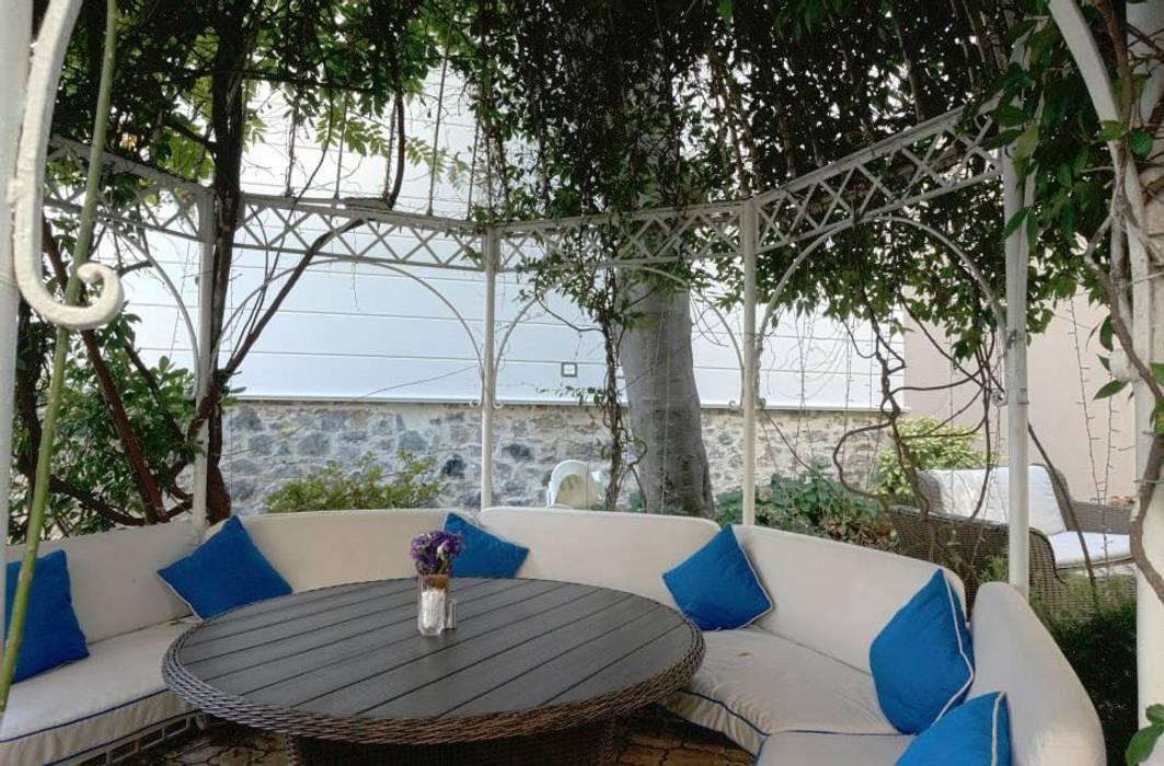 Gazebo Restaurant Yeniköy Bozantı Mimarlık Modern Balkon, Veranda & Teras