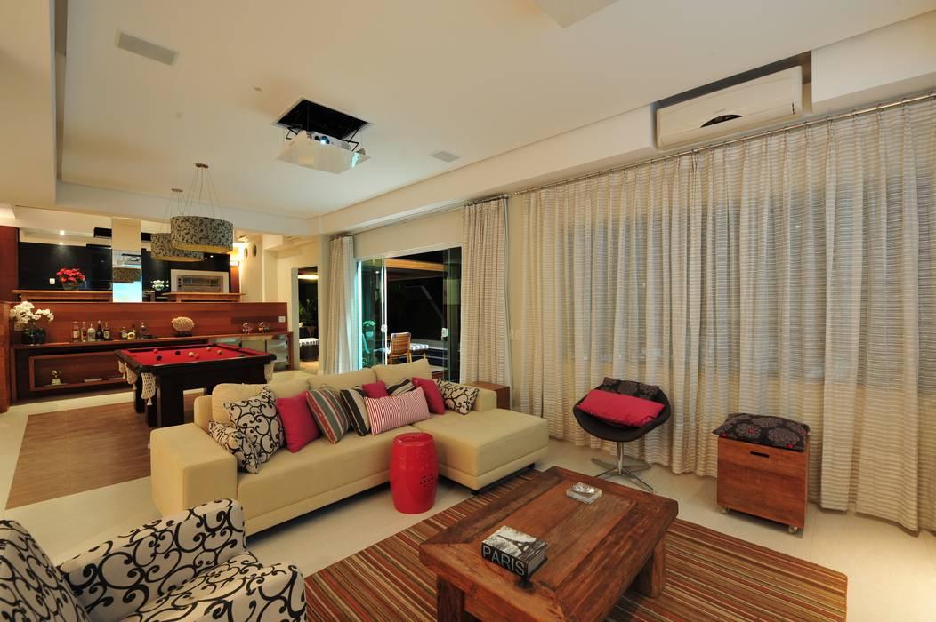 Modern living room by ANNA MAYA ARQUITETURA E ARTE Modern Textile Amber/Gold