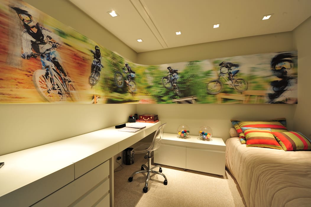 Nursery/kid's room by ANNA MAYA ARQUITETURA E ARTE, Modern MDF