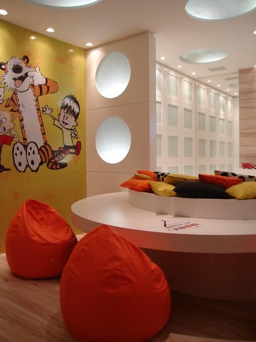 Mostra Casa Nova 2008 Quarto infantil moderno por ANNA MAYA ARQUITETURA E ARTE Moderno Papel