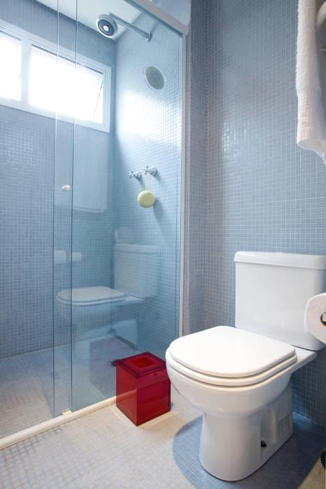 Ванная комната в стиле модерн от EVELIN SAYAR ARQUITETURA E INTERIORES Модерн