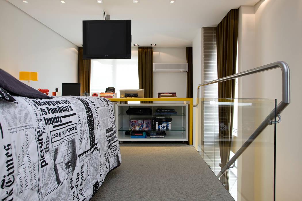 Loft no bairro Jardim Paulista Quartos modernos por EVELIN SAYAR ARQUITETURA E INTERIORES Moderno