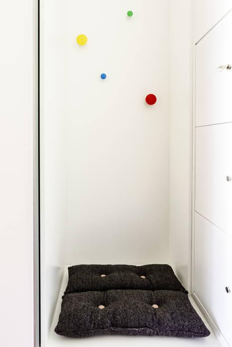 mieszkanie prywatne 3 pokoje - Garnizon - Gdańsk Anna Maria Sokołowska Architektura Wnętrz Industrialny korytarz, przedpokój i schody