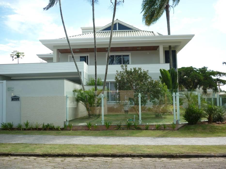 Дома в классическом стиле от ANNA MAYA ARQUITETURA E ARTE Классический Кирпичи