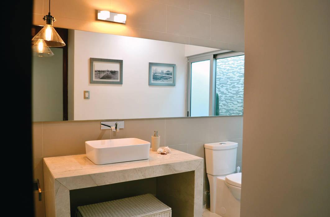 OBRA BLANCA Modern Bathroom