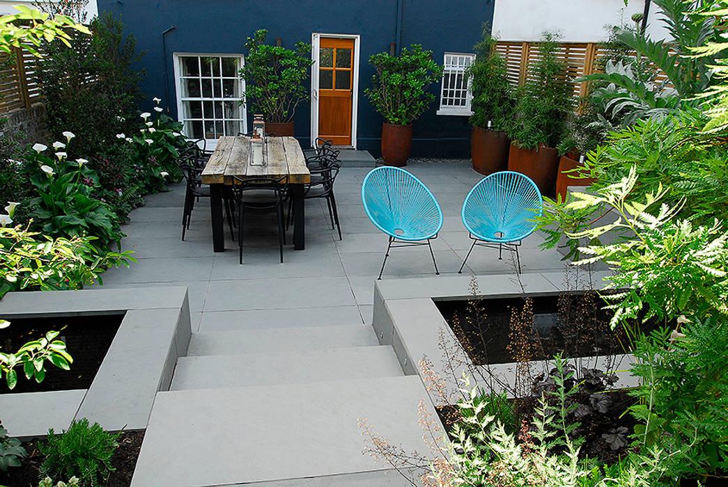 Contemporary Garden Design by London Based Garden Designer Josh Ward:  Garden by Josh Ward Garden Design, Modern Plastic