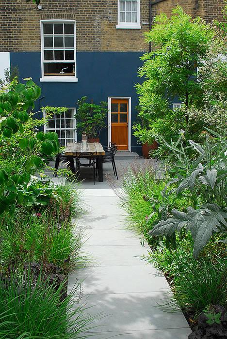 Taman oleh Josh Ward Garden Design, Modern