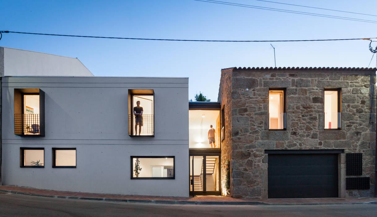 Rumah Minimalis Oleh FPA - filipe pina arquitectura Minimalis