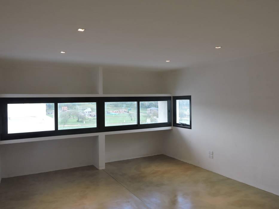 Casa LL Dormitorios minimalistas de jose m zamora ARQ Minimalista