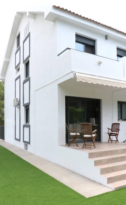 Terrace acertus Balcones y terrazas de estilo moderno Multicolor