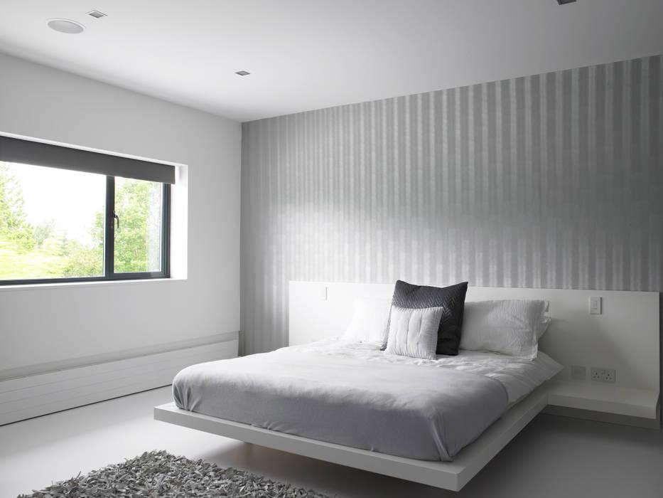 Ice White House-Luxury home Quirke McNamara Minimalist bedroom