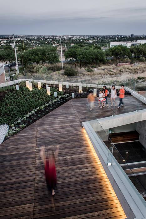 Casa Xafix / Arkylab: Terrazas de estilo  por Oscar Hernández - Fotografía de Arquitectura, Moderno