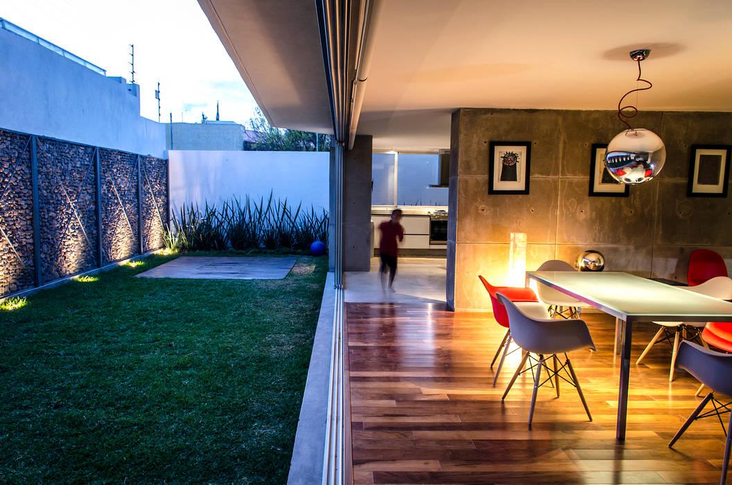 Casa Xafix / Arkylab: Jardines de estilo  por Oscar Hernández - Fotografía de Arquitectura