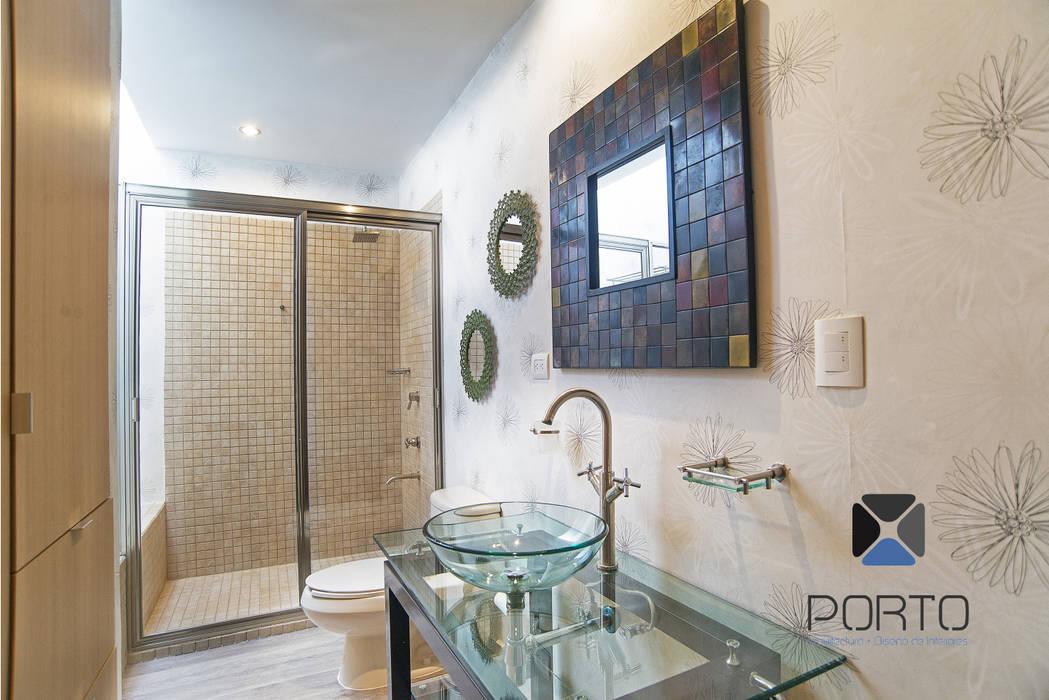 Baños de estilo ecléctico de PORTO Arquitectura + Diseño de Interiores Ecléctico